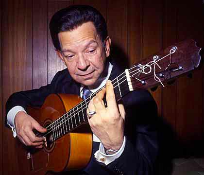 Sabicas-flamenco-guitar-playing